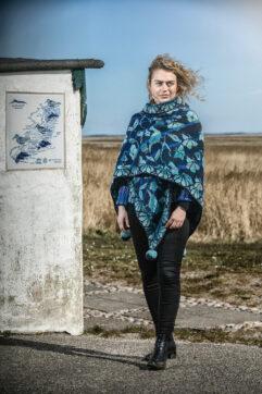flora-shawl-blue christel seyfarth